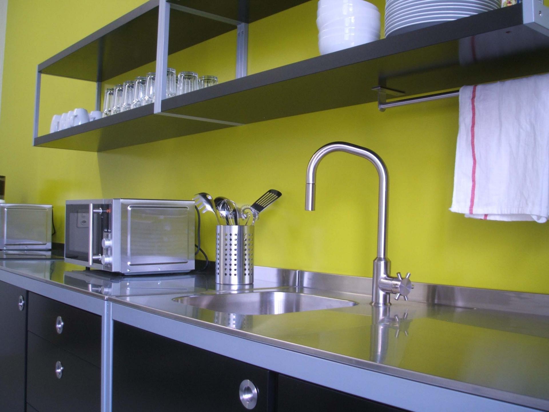 Wandplatten küche  BIRCHER AG - Fugenlose Wandbeschichtung